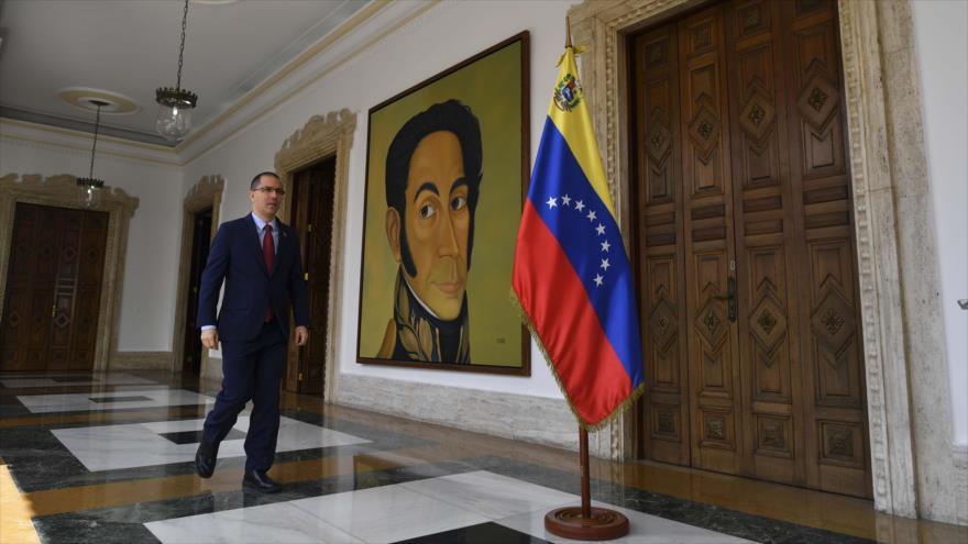 Venezuela censura 'apoyo humanitario' de EEUU mediante un 'títere'