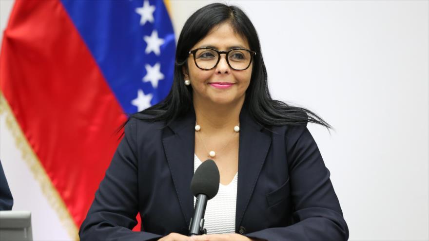 Venezuela rechaza amenaza de Trump e invita a cumbre de Montevideo