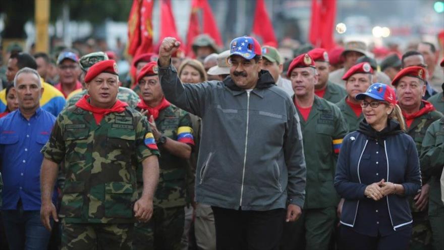 """Maduro denuncia """"locura guerrerista"""" de EEUU contra Venezuela"""