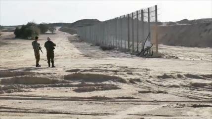 Israel erige una barrera de acero a lo largo de Gaza