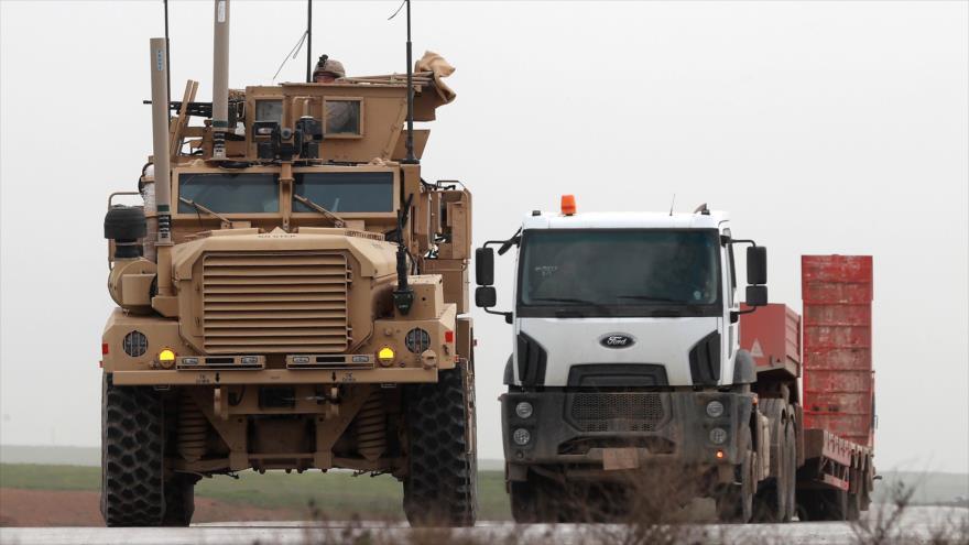 EEUU envió 1130 camiones de armas a Siria tras anuncio de retirada | HISPANTV