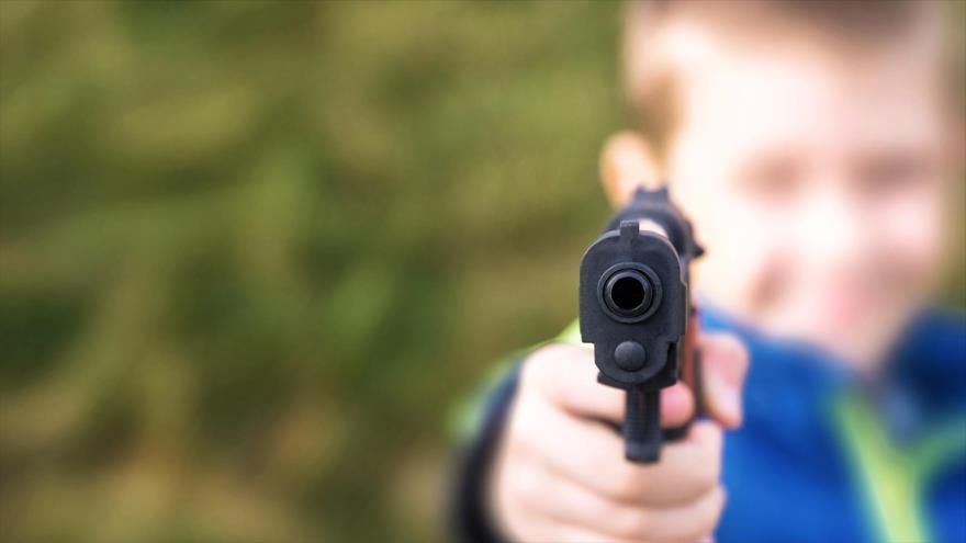 Un niño de cuatro años disparó con una pistola en la cara a su madre embarazada en el estado de Washington (EE.UU.).