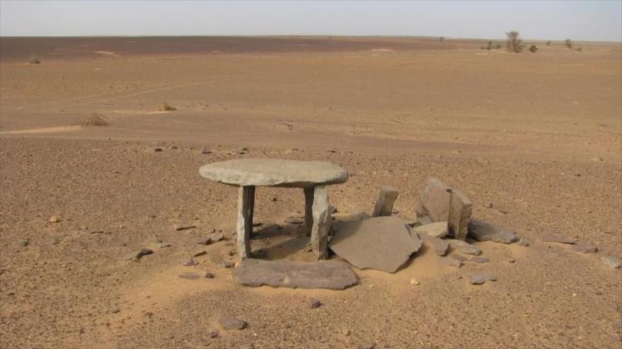 Hallan misteriosas estructuras en el desierto de Sáhara en África.