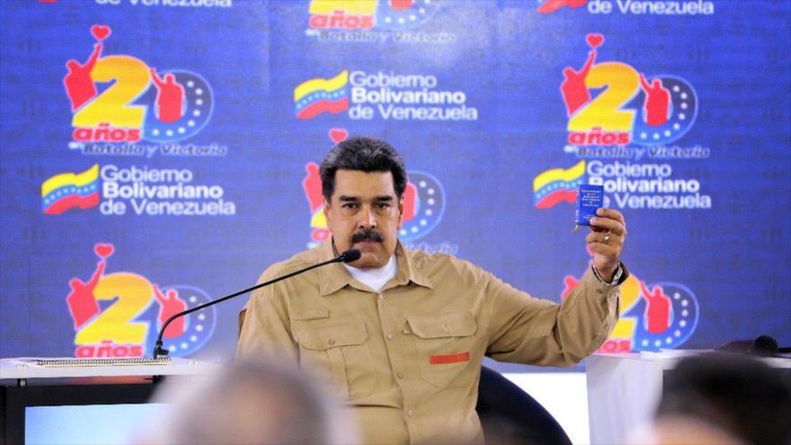 Maduro censura 'llamado golpista' de EEUU a militares venezolanos