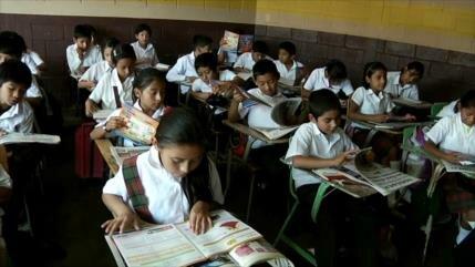 Guatemala solo invierte el 2.8 % de su PIB en la educación