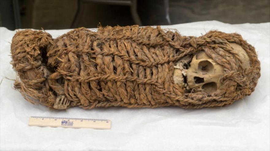 La momia de una niña de 2000 años de antigüedad. (Foto: MRE)
