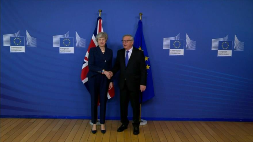 UE, Bruselas y Londres acuerdan retomar negociaciones de Brexit