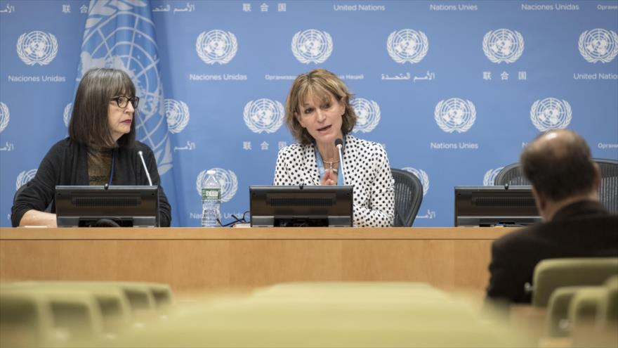 Agnes Callamard (centro), relatora especial sobre ejecuciones extrajudiciales, sumarias o arbitrarias de las Naciones Unidas.