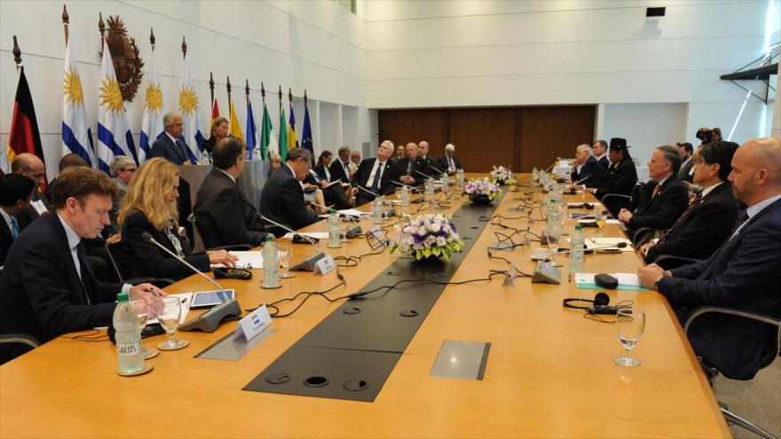Grupo de contacto pide una solución política para Venezuela