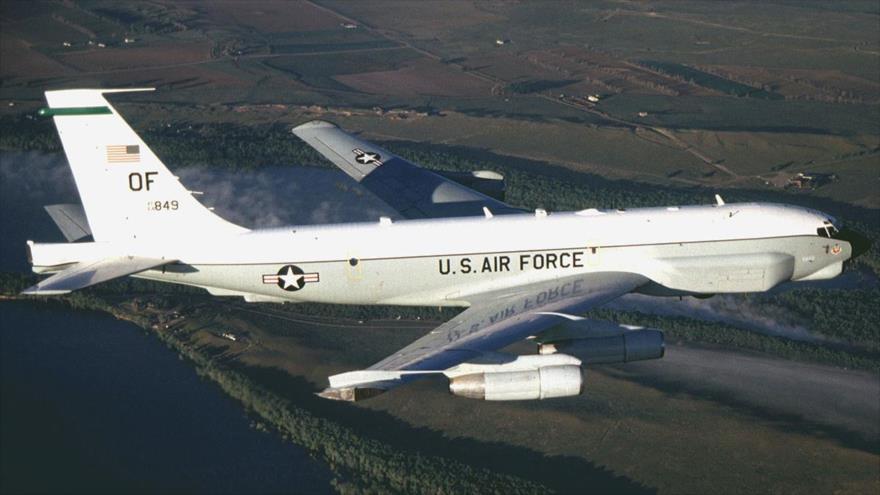Avión de EEUU espía sistemas antiaéreos S-300 rusos en costas de Siria