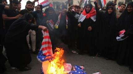 Sirios queman banderas de EEUU y Francia y exigen su retirada