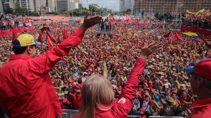 Sondeo: Los venezolanos deben resolver sus problemas sin injerencias