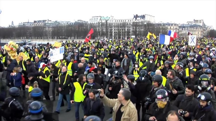 """""""Chalecos amarillos"""" siguen sus manifestaciones en toda Francia"""