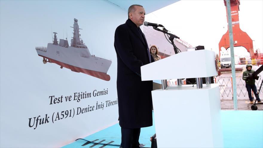 El presidente turco, Recep Tayyip Erdogan, durante una ceremonia de lanzamiento del buque de Adiestramiento y Entrenamiento Ufuk en Estambul, 9 de abril de 2019.