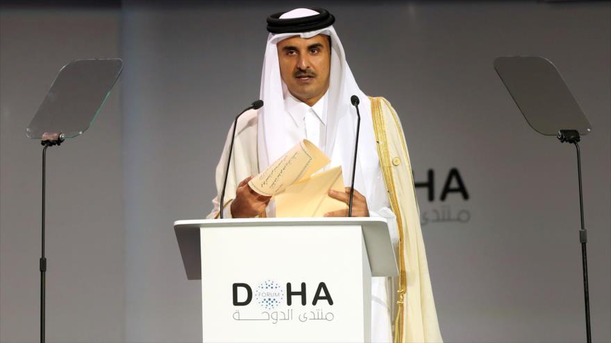 El emir de Catar, Tamim bin Hamad Al Thani, ofrece discurso en Doha, capital catarí, 15 de diciembre de 2018. (Fuente: AFP)