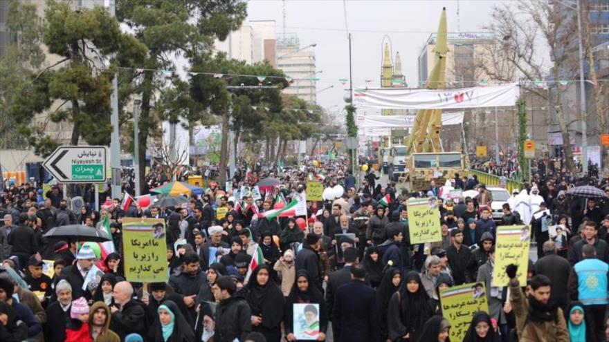 Los iraníes demandan mayor desarrollo del programa misilístico