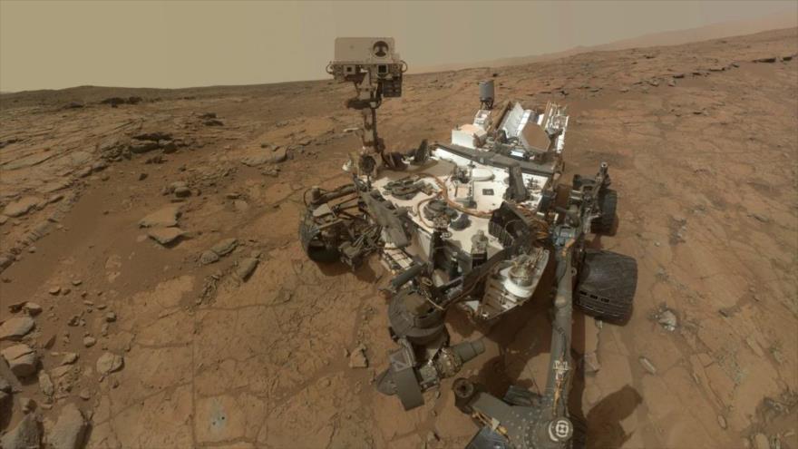 El rover Curiosity de la NASA en la superficie de Marte.