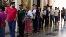 Nicaragüenses firman libro en solidaridad con Gobierno de Maduro