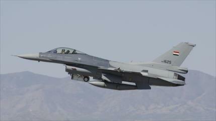 Aviación iraquí bombardea posiciones de Daesh en Siria