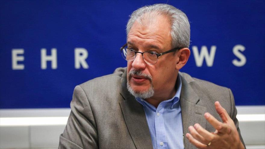 El embajador cubano en Irán, Alexis Bandrich Vega.