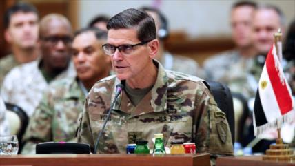 EEUU debe seguir armando a los kurdos tras retirarse de Siria