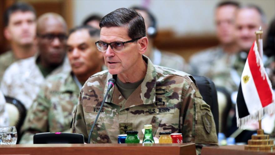 El jefe del Comando Central de EE.UU. (Centcom), Joseph Votel, habla en una reunión en Kuwait, 12 de septiembre de 2018. (Foto: AFP)