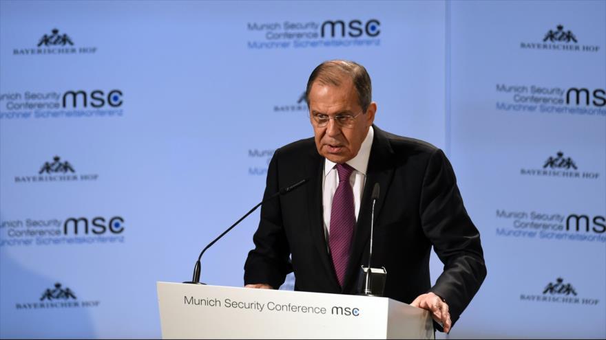 El canciller de Rusia, Serguéi Lavrov, ofrece un discurso en la Conferencia de Seguridad de Múnich, Alemania, 17 de febrero de 2019. (Foto: AFP)