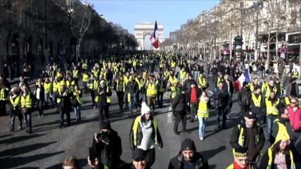 """Francia vive nueva jornada de marchas de los """"chalecos amarillos"""""""