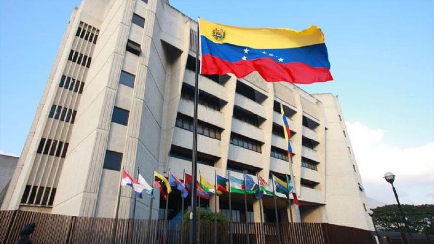 Justicia venezolana alerta: la Asamblea Nacional busca disolver la FANB