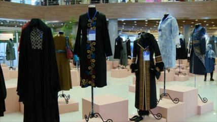 Irán celebra el VIII Festival de la Moda y del Vestuario de Fayr