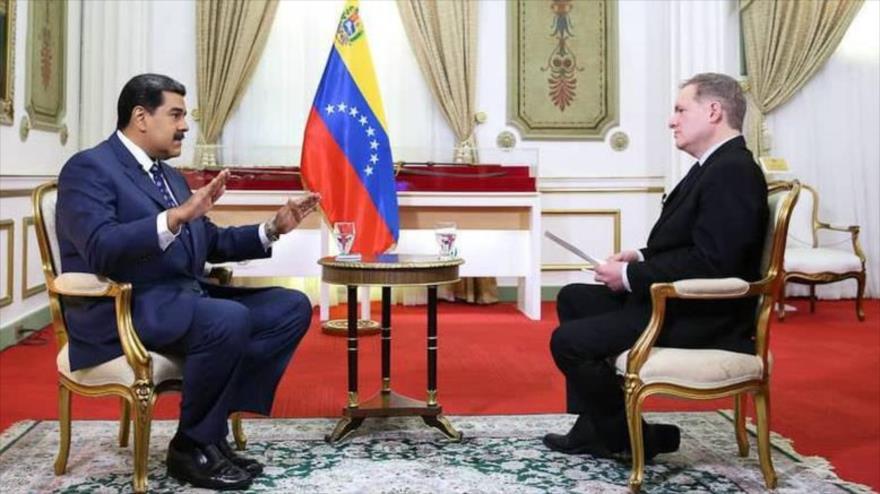 """Maduro aboga por entablar un diálogo """"franco"""" con la oposición"""