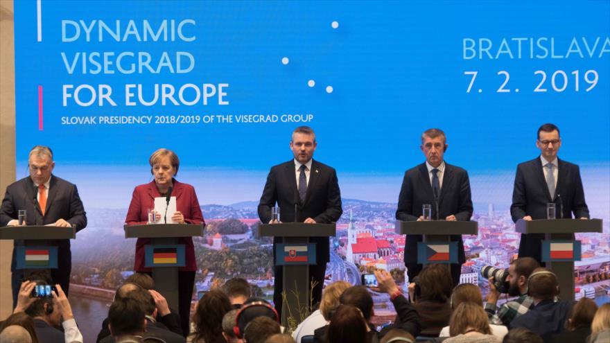 Premieres de Hungría, Eslovaquia, República Checa y Polonia más la canciller de Alemania en cumbre V4 en Eslovaquia, 7 de febrero de 2019. (Foto: AFP)