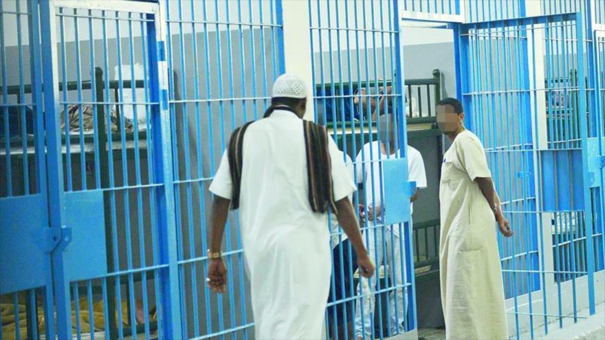 Activistas saudíes presos inician huelga de hambre por maltratos | HISPANTV