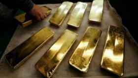 El precio del oro sigue subiendo mientras cae el dólar
