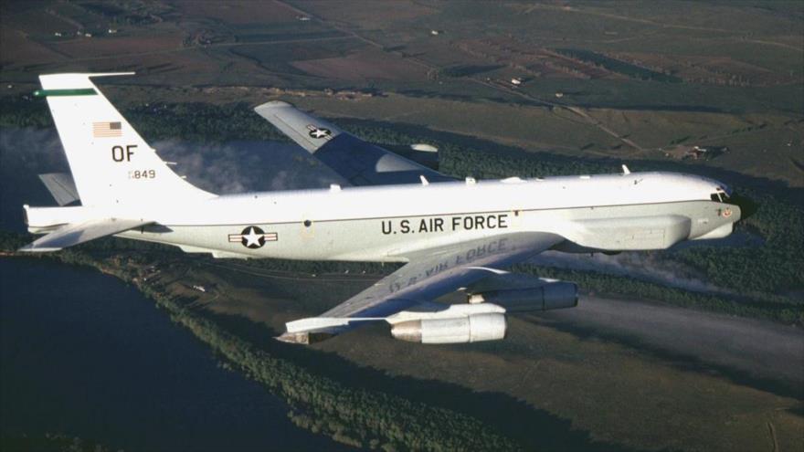Un avión de reconocimiento estratégico Boeing RC-135V de la Fuerza Aérea de Estados Unidos.