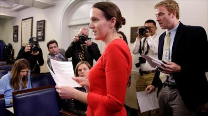 Dimite de su cargo la viceportavoz de la Casa Blanca