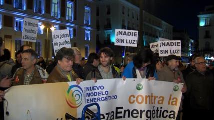 Activistas protestan contra la pobreza energética en España