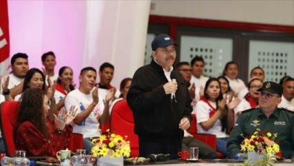 Ortega convoca a los opositores a una mesa de negociación