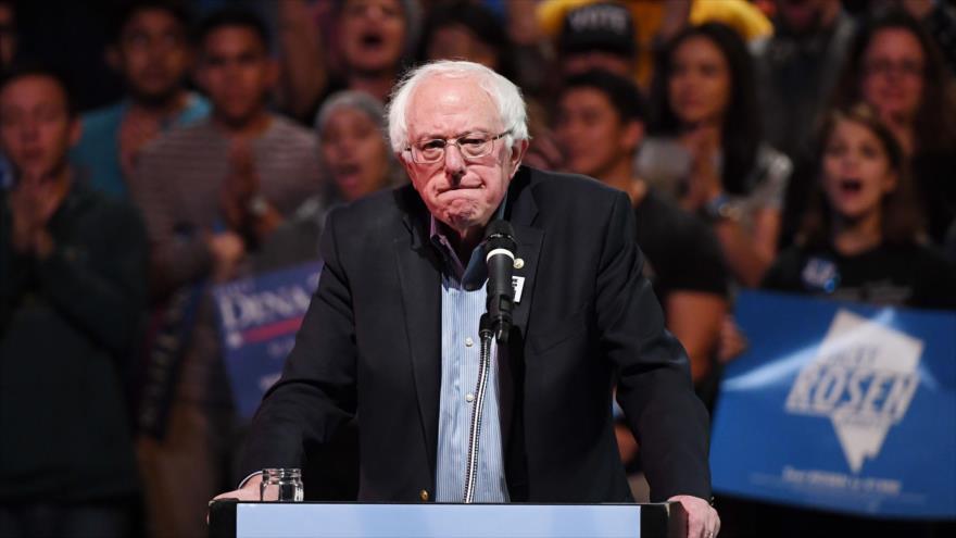 El senador estadounidense Bernie Sanders ofrece un discurso en Las Vegas, 25 de octubre de 2018. (Foto: AFP)