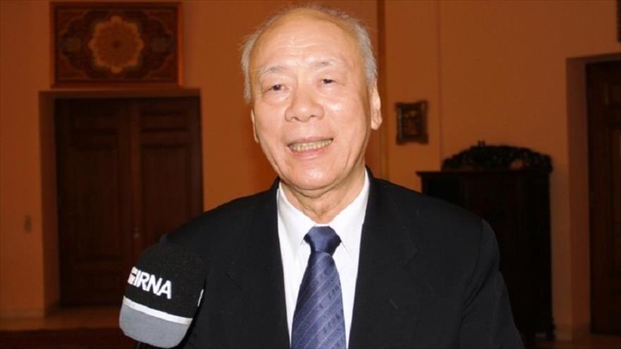 El exembajador chino en Irán Hua Liming, en una entrevista, 23 de febrero de 2019. (Fuente: IRNA)