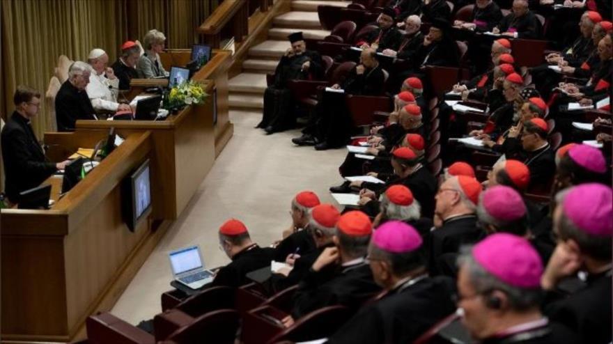Iglesia católica destruye archivos de casos de abusos sexuales