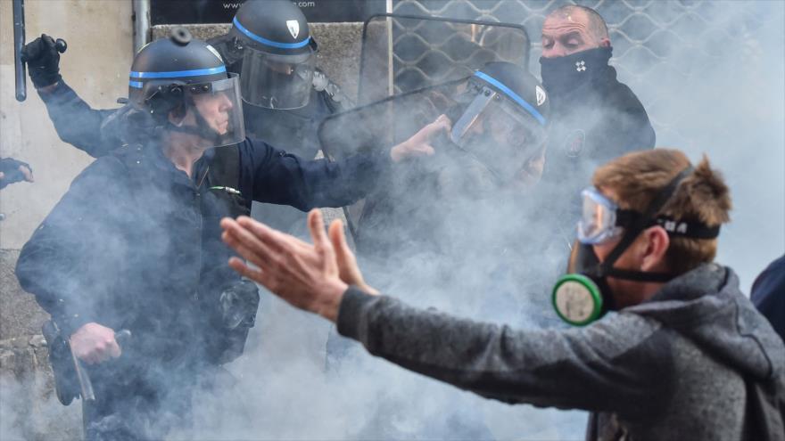 Vídeo: Francia, envuelta en caos por 15ª semana