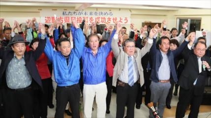 Japoneses votan en contra del traslado de base de EEUU en Okinawa
