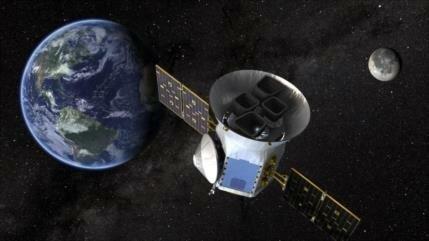Hallan una 'Tierra caliente' que orbita su estrella en 11 horas