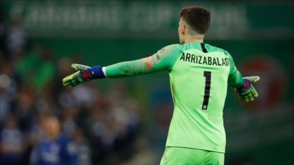 Kepa Arrizabalaga protagoniza pelea con Maurizio Sarri