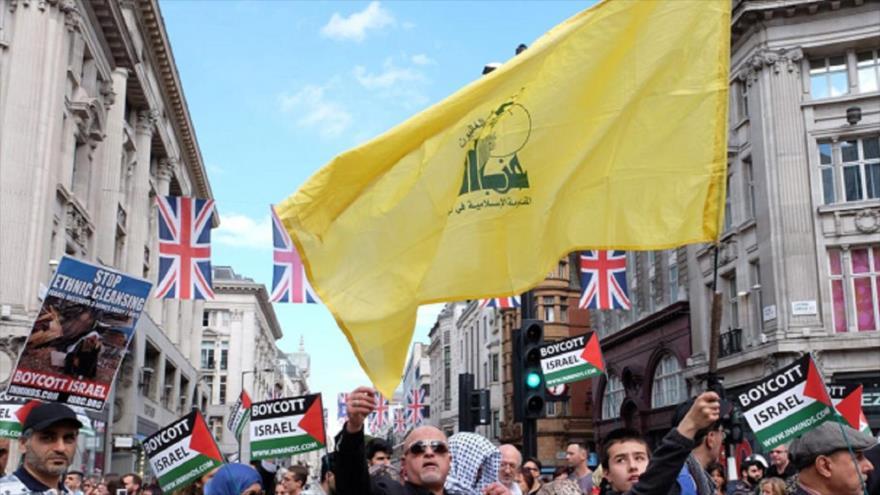 Unos partidarios de Hezbolá participan en las marchas del Día de Al-Quds en Londres, la capital británica, 18 de junio de 2018.