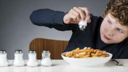 Estudio: Consumo excesivo de sal causaría enfermedades alérgicas