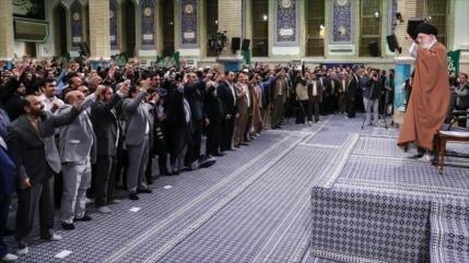 Líder iraní asegura que Irán es más poderoso que hace 40 años