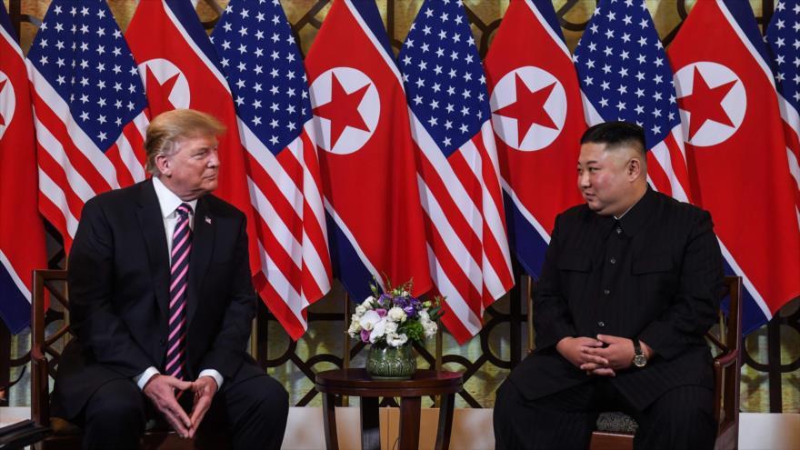 Trump y Kim se reúnen por segunda vez en Vietnam
