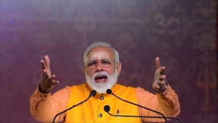 La India llama a 'ponerse de pie como una roca' ante enemigos